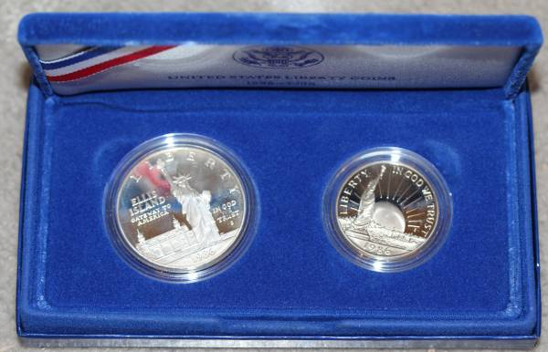 1986 Liberty Coins Silver Dollar and Half Dollar Obverse