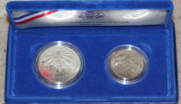 1986 Liberty Coins Silver Dollar and Half Dollar Reverse